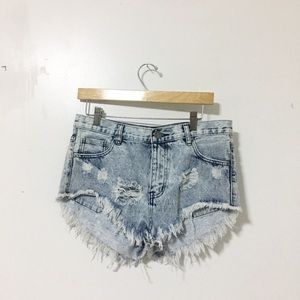 Brand new / wash denim ripped fringe shorts